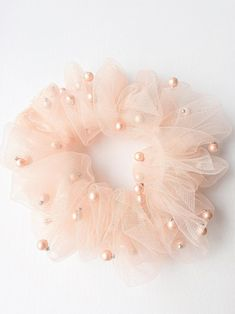 Tulle Hair Bows, Diy Hair Scrunchies, Velvet Scrunchie, Headband Styles, Soft Hair, Girls Hair Accessories, Fabric Jewelry, Hair Ties, Diy Hairstyles