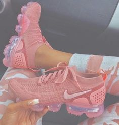 Nike gives the women's Air VaporMax Flyknit 2 a monochromatic makeover, showcasing Rust Pink coloring along the shoe's exterior. This includes the breathable Flyknit upper, laces and integrated… Sneakers Fashion, Fashion Shoes, Shoes Sneakers, Shoes Men, Ladies Shoes, Cc Shoes, Shoes Sandals, Asos Shoes, Sneaker Heels