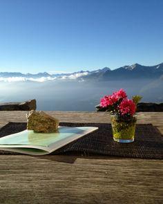 Von Gipfel zu Gipfel von Hütte zu Hütte in der Surselva. Berghütten. Mountains, Travel, Families, Summer Recipes, Viajes, Trips, Tourism, Bergen, Traveling