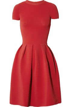 Intense-red stretch-crepe Ribbed, pleated skirt, bow-embellished cutout back Slips on 83% viscose, 17% polyester Dry clean