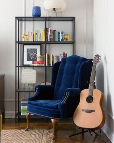 Inspiration- love this little nook- the metal shelves (ikea vittsjo) and that blue velvet chair! Inspiration- love this little nook- the metal shelves (ikea vittsjo) and that blue velvet chair! Velvet Wingback Chair, Blue Velvet Chairs, Wingback Chairs, Chair Reupholstery, Swivel Chair, Blue Armchair, White Chairs, Rattan Chairs, Tufted Chair