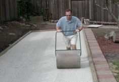 DIY Bocce from iBocce.com - Building a backyard bocce court...step by step photos!  For the new yard :)