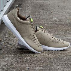 Nike Roshe Run NM Woven - Bamboo and White