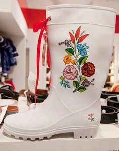Hungarian design on boots Elisabeth Musical, Sherlock Bbc, Coco Chanel, Hungary, Rubber Rain Boots, Traditional, My Style, Pattern, Beautiful