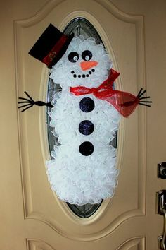 Adorable snowman wreath!