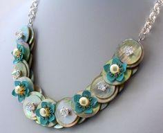 Madre de perla botón collar Floral azul botón por ElsaWadesJewelry