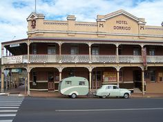 Visiting Hotel Dorrigo, in outback NSW , with their popular FJ Holden towing a vintage Caravans, v Vintage Caravan Interiors, Retro Caravan, Vintage Caravans, Retro Campers, Vintage Campers, Caravan Pictures, Great Places, Places Ive Been, Holden Australia