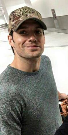 Henry Cavill Forum, Henry Cavill Discussion Board - FamousFix