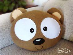 Coussin en peluche l'ours-décoratifs de NEBU par lovelia sur Etsy: