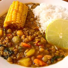 This traditional Cuban Lentil soup is thick and hearty. It can be served alone or with rice. - Potaje De Lentejas (Cuban Lentil Soup) This traditional Cuban Lentil soup is thick and hearty. It can be served alone or with rice. Comida Latina, Mexican Food Recipes, Dinner Recipes, Ethnic Recipes, Cuban Dishes, Cuban Cuisine, Lentil Soup Recipes, Cooking Recipes, Healthy Recipes