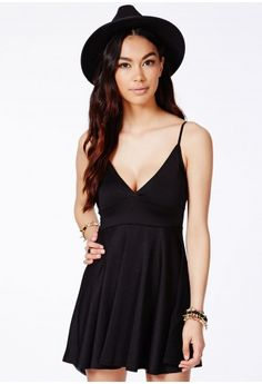 Missguided - Herta Black Strappy Skater Dress c78636837