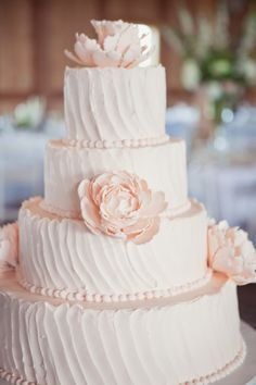 cake with sugar peonies