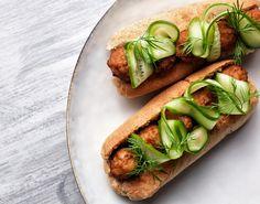 Lav en frikadelle-hotdog til madpakken, som er både sund og nem.