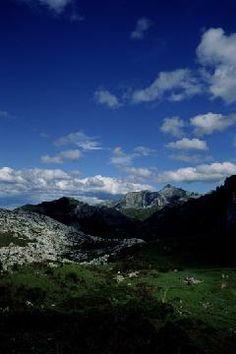 A jigsaw puzzle you can play online: Picos de Europa