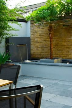 contemporary water feature position