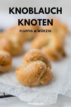 Fluffig und würzig sind diese leckeren Knoblauch Knoten. Die Brötchen passen perfekt zum Grillabend. Snacks, International Recipes, Creative Food, Tasty, Bread, Cooking, Easy Peasy, Dips, Bbq