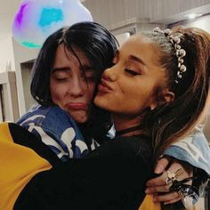 Ariana and Billie Billie Eilish, Ariana Grande Fotos, Queen, Thing 1, Me As A Girlfriend, My Idol, Ikon, Hollywood, Singer