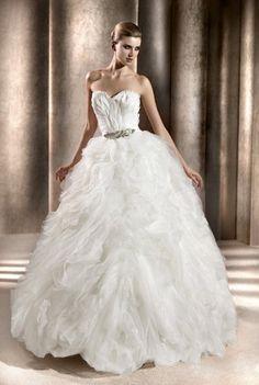 Pronovias gown at Miosa Bride