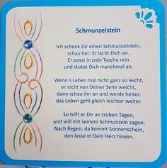 """Gastgeschenk / Glücksbringer """"Schmunzelstein"""" mit einem blauen Schmunzelstein  Doppelkarte mit Fadengrafik Motiv 4 und Spruch """"Ich schenk´Dir einen Schmunzelstein"""" Format 13,5 x 13,5 cm mit..."""