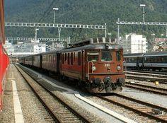 BLS Ae N° 251 am September 2009 mit einem Sonderzug in Chur Chur, Holland, Swiss Railways, Bonde, Bahn, Train Car, Locomotive, Transportation, Around The Worlds