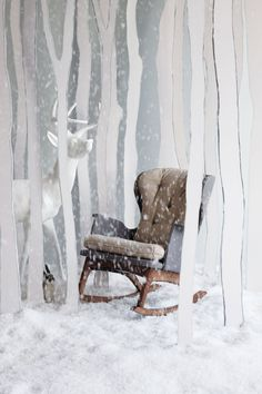 Find tips and tricks, amazing ideas for Store window displays. Discover and try out new things about Store window displays site Winter Window Display, Window Display Design, Store Window Displays, Christmas Window Display Retail, Retail Displays, Anthropologie Furniture, Anthropologie Display, Vitrine Design, Christmas Photo Booth