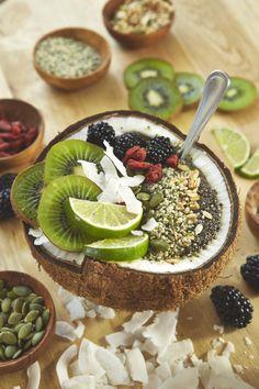 Summer smoothie bowl