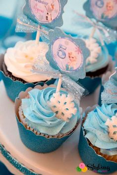 Monica M's Birthday / Frozen (Disney) - Photo Gallery at Catch My Party Frozen Themed Birthday Party, Elsa Birthday, Disney Birthday, 2nd Birthday Parties, Frozen Themed Food, Winter Birthday, Birthday Ideas, Cupcakes Frozen, Bolo Frozen