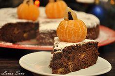 Tort de ciocolata neagra cu portocale Something Sweet, Cake, Desserts, Food, Sweets, Deserts, Tailgate Desserts, Kuchen, Essen