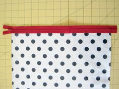 Fat Quarter Toiletry Bag: sewing tutorial | She's Got the Notion