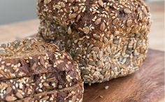 Elpan proteico es una óptima fuente de proteínas necesarias para el buen funcionamiento del intestino. Conoce cómo elaborar la receta del pan con proteínas