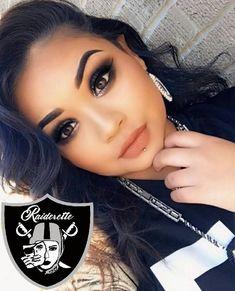 Okland Raiders, Raiders Vegas, Raiders Girl, Oakland Raiders Wallpapers, Oakland Raiders Football, Raiders Cheerleaders, Raider Game, Brown Pride, Gangster Girl