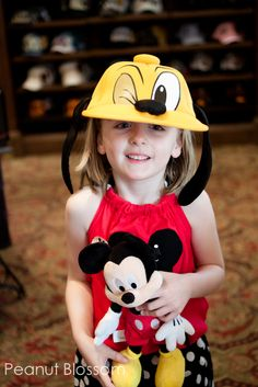 No Lines Required: Having fun at Disney World without waiting in a queue. Fantastic ideas for fun with little ones who are worn out from the rides but who aren't ready to leave the parks! #DisneySMMoms