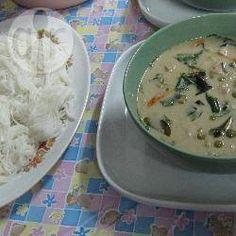 Einfaches grünes Thai Curry mit Huhn (Geng kyo wan gai) @ de.allrecipes.com