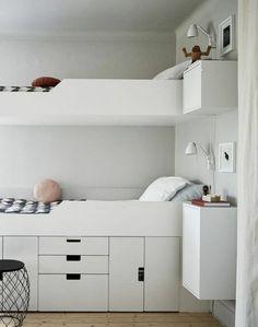 Charmant Lit Tiroir Pour La Chambre D Adulte Avec Sol En Bois Clair Chambre Ado  Garçon Ikea