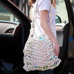 Free pattern from Crochet World - next on my project list ; Crochet Purses, Crochet Lace, Free Crochet, Crochet Ideas, Crochet Projects, Crocheting Patterns, Project List, Crochet World, Sacks