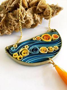 Collana di carta semicircolare Van Gogh con lavorazione quilling, eco gioiello di carta, vegan friendly, regalo per lei, fatto a mano di QuillyPaperDesign su Etsy