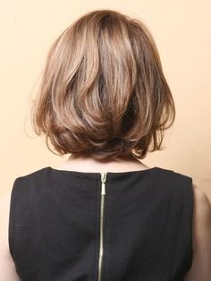 Pin on ヘアカタログ Medium Hair Cuts, Short Hair Cuts, Medium Hair Styles, Curly Hair Styles, Short African Hairstyles, Messy Hairstyles, Long Bob Haircuts, Layered Haircuts, Hair Cutting Techniques