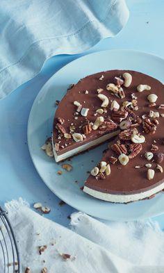 Nutella-kerrosjuustokakku | Maku Yummy Snacks, Delicious Desserts, Finnish Recipes, Nutella Cheesecake, Funny Cake, Joko, Piece Of Cakes, Sweet And Salty, Let Them Eat Cake