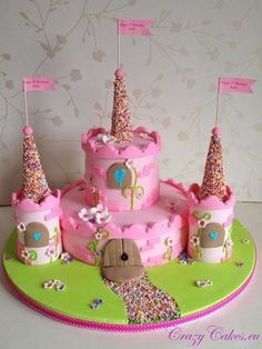 Pastel de castillo como un pastel para cumpleaños de niños de una niña - Backen und süsse Geschenke - Pretty Cakes, Cute Cakes, Fondant Cakes, Cupcake Cakes, Torta Angel, Kale Pasta, Birthday Cake Girls, Princess Birthday, 4th Birthday