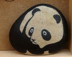 Panda Hand Painted Pebble Stone in a Frame Handgemalter Panda-Panda-Stein in einem Rahmen Pebble Painting, Pebble Art, Stone Painting, Stone Crafts, Rock Crafts, Arts And Crafts, Painted Rock Animals, Hand Painted Rocks, Painted Pebbles