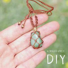 Diy Macrame Necklace Tutorial, Diy Friendship Bracelets Tutorial, Diy Bracelets Easy, Bracelet Crafts, Bracelet Tutorial, Handmade Bracelets, Diy Necklace Display, Diy Jewelry Necklace, Boho Jewelry