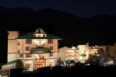Staying at Sterling Resorts in Manali is to have the 'best of both worlds' – plush comfort and convenience within your cottage apartment and gushing natural beauty of mountains and valleys on the outside. Time spent inside the Resort is as pleasurable and memorable as time spent exploring the enchanting mountain outdoors.