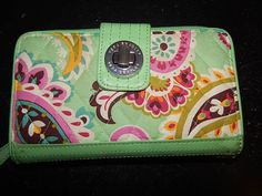 Wallet Vera Bradley Turnlock Zip Around Green Floral Quilted Wallet #VeraBradley #ziparound