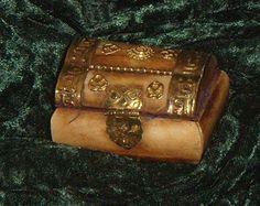 Buffalo Bone Treasure Chest, Jewelry and Trinket Box, Spells and Wishes Box, Ring Box, Petite Box Wish Box, Antique Boxes, Treasure Chest, Trinket Boxes, Buffalo, Bones, Decorative Boxes, Ring, Antiques
