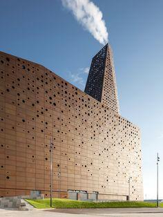 Fassade der Müllverbrennungsanlage Roskilde mit feuerverzinkter Unterkonstruktion