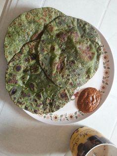 Palak paratha with tomato chutney