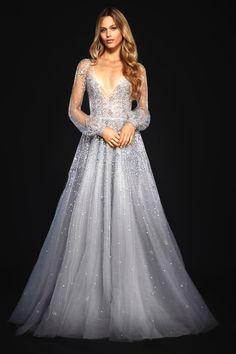 Subtle sparkle. Hayley Paige. Key wedding dress trends for 2018 #weddingdress