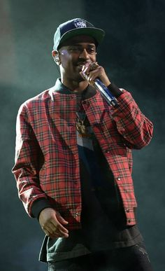 Men's Fashion Flash: Big Sean's Power 105.1 Powerhouse Concert Supreme Plaid Tartan Bomber Jacket - The Fashion Bomb Blog : Celebrity Fashio...