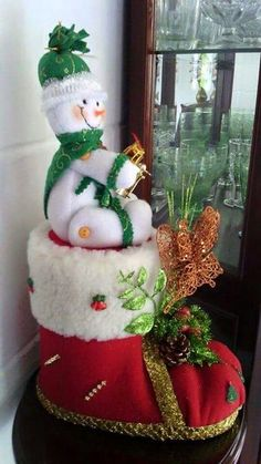 1 million+ Stunning Free Images to Use Anywhere Country Christmas, Christmas Crafts, Christmas Home, Christmas Ornaments, Felt Christmas Decorations, Christmas Stockings, Holiday Decor, Christmas Mason Jars, Snowman Crafts