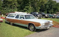 1974 Chrysler Town & Country wagon